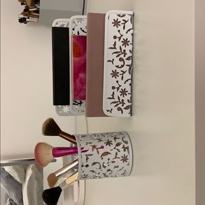 Beautiful White Floral Letter & Pencil Holder.